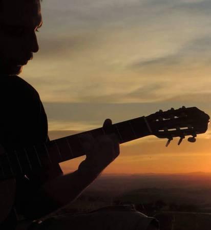 Constituição do Sujeito e formação para o trabalho: o caminho da autonomia por meio da atividade musical