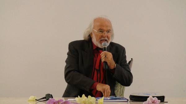 Revisão de Conferência do Acad. Prof. Antonio Meneghetti