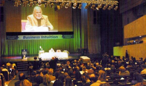 Foil dá fundamento científico à intuição - Congresso Internacional Business Intuition