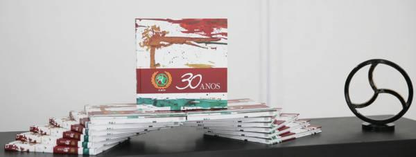 ABO lança livro histórico para comemorar seus 30 anos de atuação