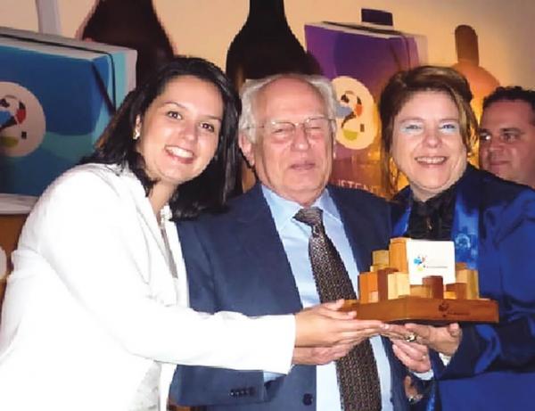 Projeto Oikos ganha o prêmio Fecomercio de Sustentabilidade 2011