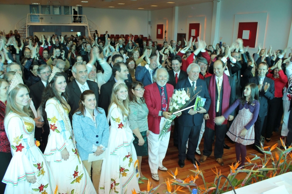 Acad. Prof. Antonio Meneghetti recebe título de Cidadão de Restinga Seca