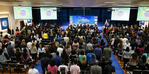 Com representantes de diversos países, III Congresso Internacional Uma Nova Pedagogia para a Sociedade Futura promove debate sobre rumos e soluções da educação no Brasil e no mundo